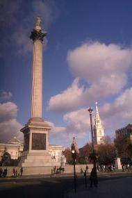 12juillet-1024px-Trafalgare_Square_27_November_2011