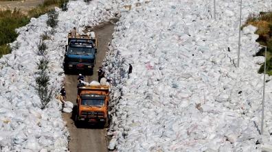 Beyrouth noyée sous les déchets
