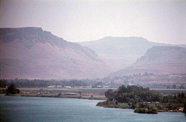 La mer de Galilée avec les cornes de Hattin en arrière plan