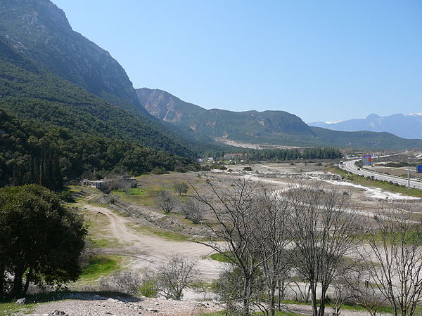 10aout-600px-Thermopylae_ancient_coastline_large
