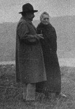 5 novembre - Marie_Curie_and_Albert_Einstein