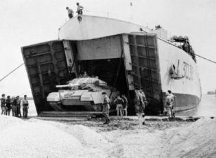 6 novembre - 1956_British_tanks